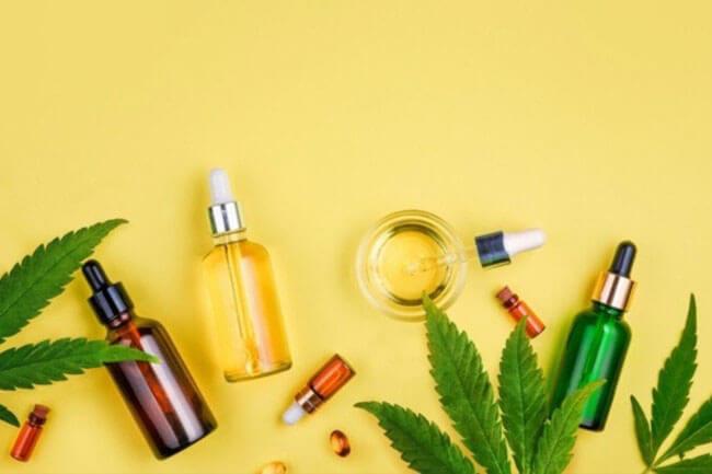huile-cbd-background-jaune